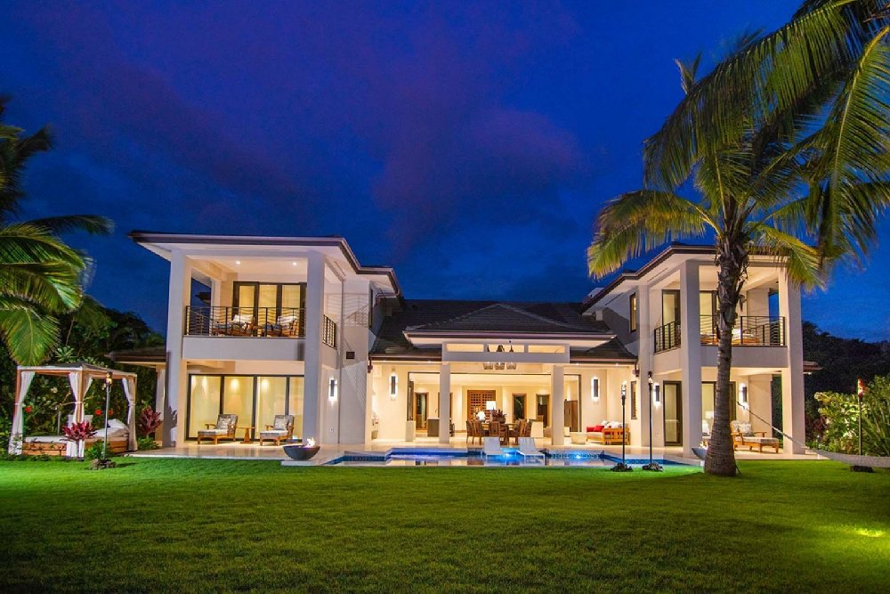 Exclusing Home for Sale on Maui - image